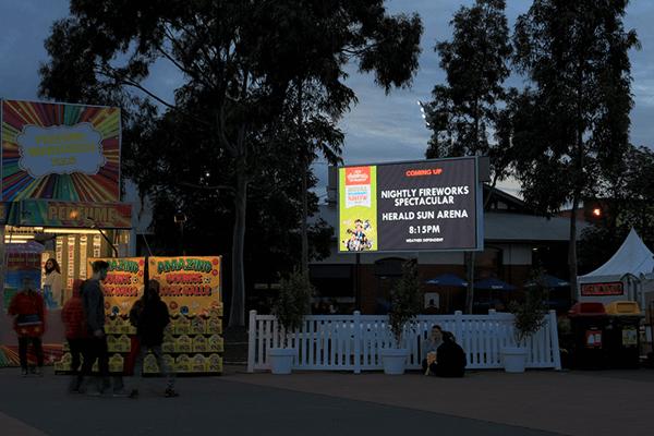 outdoor digital signs